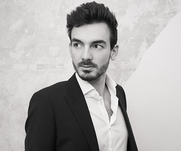 Damien Roma, portrait